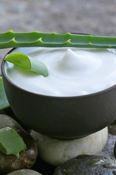 Incredible benefits of aloe vera for hair, skin and weight-loss ★ See more: http://glaminati.com/aloe-vera-for-hair-and-skin/ #hair #skin #weightloss
