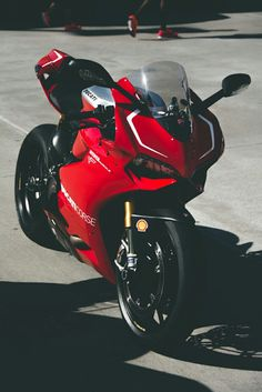 Ducati 1199 Panigale R Triumph Motorcycles, Ducati Motorbike, Motorcycles For Sale, Motorcycle Design, Motorcycle Bike, Super Bikes, Ducati Custom, Mopar, Ducati 1199 Panigale
