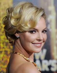 KATHERINE HEIGL - Layered waves are a modern twist on a classic style. Bookmark this one for your next big night out.