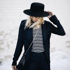 A Feminine Tomboy : Photo Fashion Looks, Punk Fashion, Fashion Beauty, Fashion Outfits, Womens Fashion, Feminine Tomboy, Wearing A Hat, Lisa, Girl With Hat