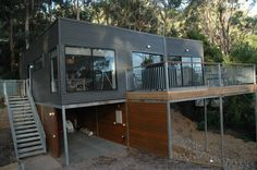 Book Great Ocean Road accommodation with Stayz, home to over holiday houses Australia-wide. River House, Bobs, Melbourne, Beach House, Places To Visit, Deck, Ocean, Australia, Outdoor Decor