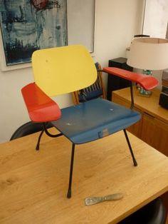 Dutch design at its best! Tjerk Reijenga plywood chair model 8000.