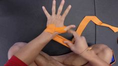 How to Wrap your Hands for Muay Thai, Boxing, or Kickboxing - Closed Pal...