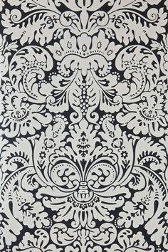 Pretty damask wallpaper