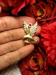 14K Yellow Gold Electroplate USA Large Vintage Eagle by Glamaroni