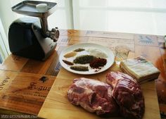 Chorizos parrilleros - Gastronoming   Gastronoming Pork, Food And Drink, Beef, Norman, Gastronomia, Home, Sausage Recipes, Recipes With Chorizo, Sausages