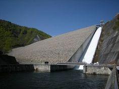 奈良俣ダム 放流