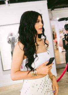 Find images and videos about kylie jenner on We Heart It - the app to get lost in what you love. Kylie Jenner Outfits, Kendall And Kylie Jenner, Kardashian Jenner, Kardashian Kollection, Kylie Kenner, Style Kim K, Jenner Girls, Jenner Sisters, Celebs