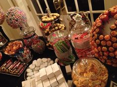 An excellent favor for a late event. Water an pretzels. Can't go wrong with that. Wedding Favors, Party Favors, Candy Stations, Pretzels, Wedding Inspiration, Party Ideas, Table Decorations, Canning, Random