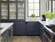 New Kitchen Sink Moduler Kitchen, Kitchen Dinning, Glass Kitchen, Kitchen Cupboards, Home Decor Kitchen, Kitchen Flooring, Kitchen Design, Black Kitchens, Home Kitchens