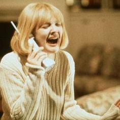 Drew Barrymore in Scream. Originally offered the lead role in Scream but chose to play Casey Becker because she thought it would be more fun. Best Horror Movies, Classic Horror Movies, Iconic Movies, Scary Movies, Good Movies, Teen Movies, Presents For Teenage Girls, Netflix November, November 2015