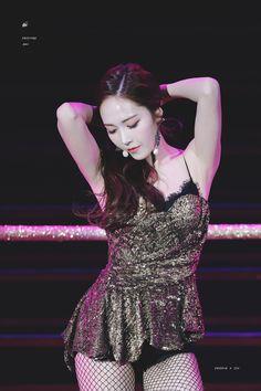 Jessica Is Such A 'Dangerous Woman'! Cute Asian Girls, Beautiful Asian Girls, Girls Generation, Kpop Girl Groups, Kpop Girls, Korean Girl Groups, Jessica Jung Fashion, Korean Fashion Kpop, Hottest Female Celebrities