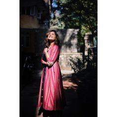 Stylish Dresses For Girls, Stylish Girl Images, Stylish Girl Pic, Best Photo Poses, Girl Photo Poses, Girl Photos, Studio Photography Poses, Fashion Photography Poses, Indian Photoshoot