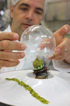 Le Phébus - this would be quite a showstopper at Christmas - entirely edible snow globe!