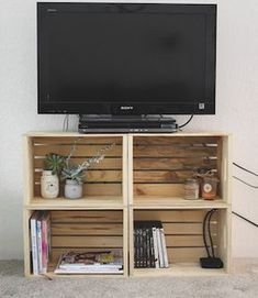 100 Cheap and Easy DIY Apartment Decorating Ideas - Prudent Penny Pincher - # . 100 cheap and easy DIY apartment decorating ideas - prudent penny pincher - # cheap The. Crate Tv Stand, Diy Tv Stand, Small Tv Stand, Diy Apartment Decor, Apartment Living, Apartment Projects, Decorations For Apartment, Apartment Entryway, Apartments Decorating