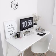 """""""This enviable workspace from the gorgeous feed of @katie_paterson. Me likey  #workspace #desk #study #office #workfromhome #homeoffice #eames…"""""""