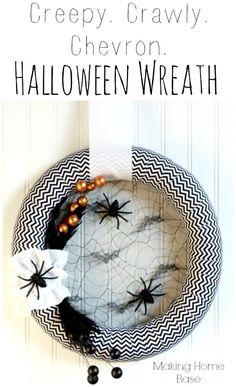 Creepy, crawly Chevron Halloween Wreath!