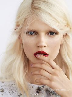 Ola Rudnicka for Glamour Poland, September 2014.
