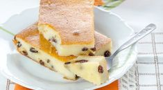 Cottage cheese casserole with raisins Czech Recipes, Russian Recipes, Apple Recipes, Baking Recipes, Fun Desserts, Dessert Recipes, Buttermilk Pancakes, Kefir, Cupcake Cakes