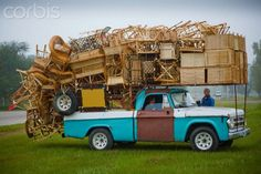 Overloaded furniture carrying truck...
