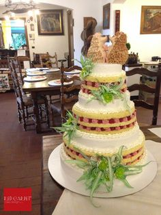 COUNTRY NAKED WEDDING CAKE AND LITTLE HEDGEHOGS- by #RedCarpetCakeDesign®