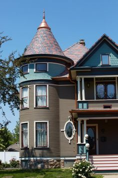 This multi colored roof is made of composite shakes the for Davinci roofscapes price