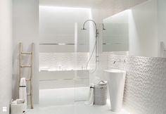 Aranżacja: Tubądzin, kolekcja All in White - zdjęcie od TUBĄDZIN - Łazienka - Styl Minimalistyczny - TUBĄDZIN