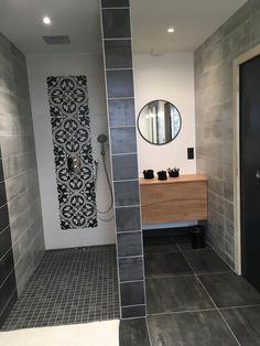 Bathroom Remodel Cost, Bathroom Plans, White Bathroom, Relaxation, Simple Designs, Tile Floor, Sweet Home, Bathtub, Interior Design