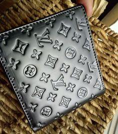 Louis Vuitton Wallet (Mens Preowned Embossed Monogram LV Logo Black Wallet)