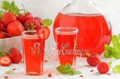 Домашний клубничный ликер - рецепт с фото