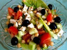 Hearty Homemade Greek Salad #healthy #recipes #salad