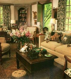 Vintage Decor Living Room Cozy French Country Living Room Decor Ideas 02 - Living rooms are essential to every home and deserve all the attention, budgets and facilities you can think of. Living Room Decor Country, French Country Living Room, French Country Cottage, French Country Style, Rustic French, Country Cottage Furniture, English Living Rooms, Tuscan Living Rooms, Country Décor