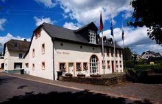"""Nicht weit ... von Weiskirchen, Wadrill oder Nonnweiler, und somit """"fast"""" noch im Saarland, liegt Kell am See. Und einen Ausflug ist es allemal wert. :-)  http://de.wikipedia.org/wiki/Kell_am_See"""