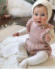 16 Girls Fashion Ideas For Winter Season – mybabydoo - Kindermode Camo Baby Clothes, Winter Baby Clothes, Baby Girl Winter, Knitted Baby Clothes, Camo Baby Stuff, Camouflage Baby, Baby Girl Fashion, Fashion Kids, Winter Fashion