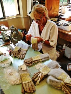 """""""Petite main"""" in action (Millau), gloves collection Maison Fabre by Michaela Buerger #madeinfrance"""