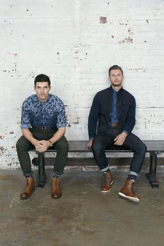 Prints, button downs, leather shoes #wefashion #menswear