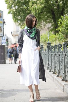 So what clothes do you really need this spring? Erika Boldrin of MyFreeChoice.net shares her tips and what a day in her life is like.