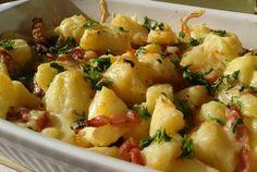 Retete Culinare - Cartofi noi cu kaizer la cuptor