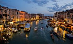 ¿Buscas lugares donde dormir en Venecia? Desde HotelNights te recomendamos sitios de lo más variados para pasar la noche en esta ciudad tan especial.
