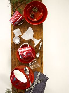 Teema ja Taika ne yhteen soppii – myös tänä jouluna! https://www.hobbyhall.fi/web/ajankohtaista/shop/koti-ja-sisustus/Joulun-sisustusuutuudet-paavarina-punainen?utm_medium=pin&utm_campaign=j7_2014&utm_source=pinterest&utm_content=Paavarina_punainen_04.11.