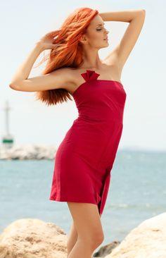 What a great eco bridesmaid dress! Gorgeous colour!!