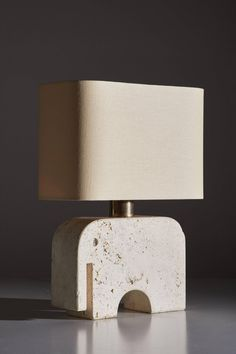 Travertine Elephant Table Lamp by Fratelli Manelli In Good Condition For Sale In Los Angeles, CA