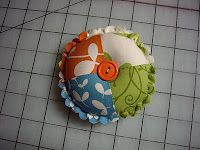 Material Girls Quilts: Scallop pin cushion tutorial