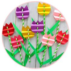 Pretty paper straw tulip craft for kids, perfect for a spring kids craft, spring flower craft for kids and flower kids craft. Pretty paper straw tulip craft for kids, perfect for a spring kids craft, spring flower craft for kids and flower kids craft. Flower Crafts Kids, Spring Crafts For Kids, Crafts For Kids To Make, Crafts For Teens, Diy And Crafts, Paper Flowers For Kids, Diy Flowers, Paper Easter Crafts, Flower Paper