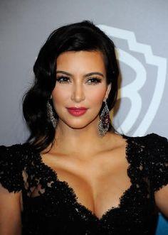 Kim kardashian: old hollywood glam Kim Kardashian Cabelo, Kardashian Dresses, Kardashian Photos, Kardashian Style, Bridal Hair And Makeup, Hair Makeup, Wedding Makeup, Celebrity Makeup Looks, Old Hollywood Glam