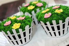 Picket fence flower cupcakes