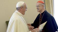 Papa Francesco e cardinale Bertone.