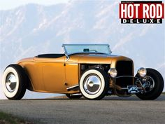 Not my favorite color, but what a beautiful car - oh would love to own such a vehicle.. Always loved roadsters!!