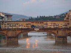 Ponte Vecchio View in Florence, Italy | Picfari.com