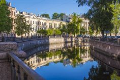 TOP 12 THINGS TO DO IN ST PETERSBURG - found at www.HostelRocket.com